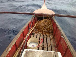 Auf dem Boot sind die 2,4m am Meer eine gute Länge.