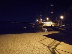 Hafenanlage zum Tintenfisch angeln